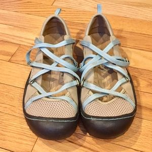 J-41 Adventure Tan Blue Mary Jane Shoes Size 6.5 M